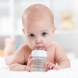 Cumisüvegek, ivópoharak